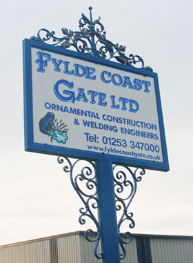 entrance-sign-fylde-coast-gate-280