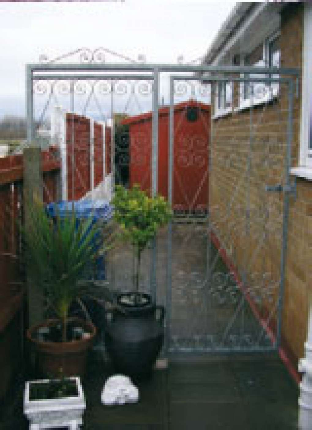 Albany 10G Tall Single Gate With Fixed Panel