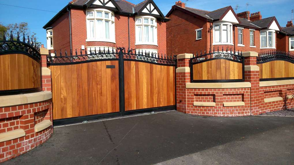 Timber Infill Sliding Gate & Curved Rails