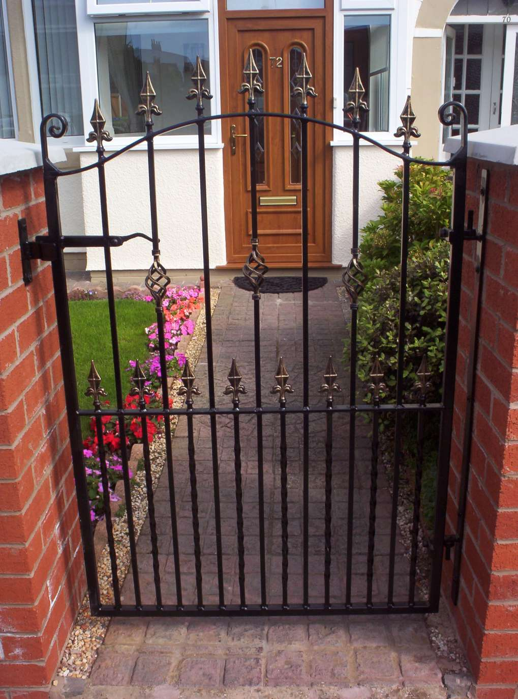 Bow Top Single Gate