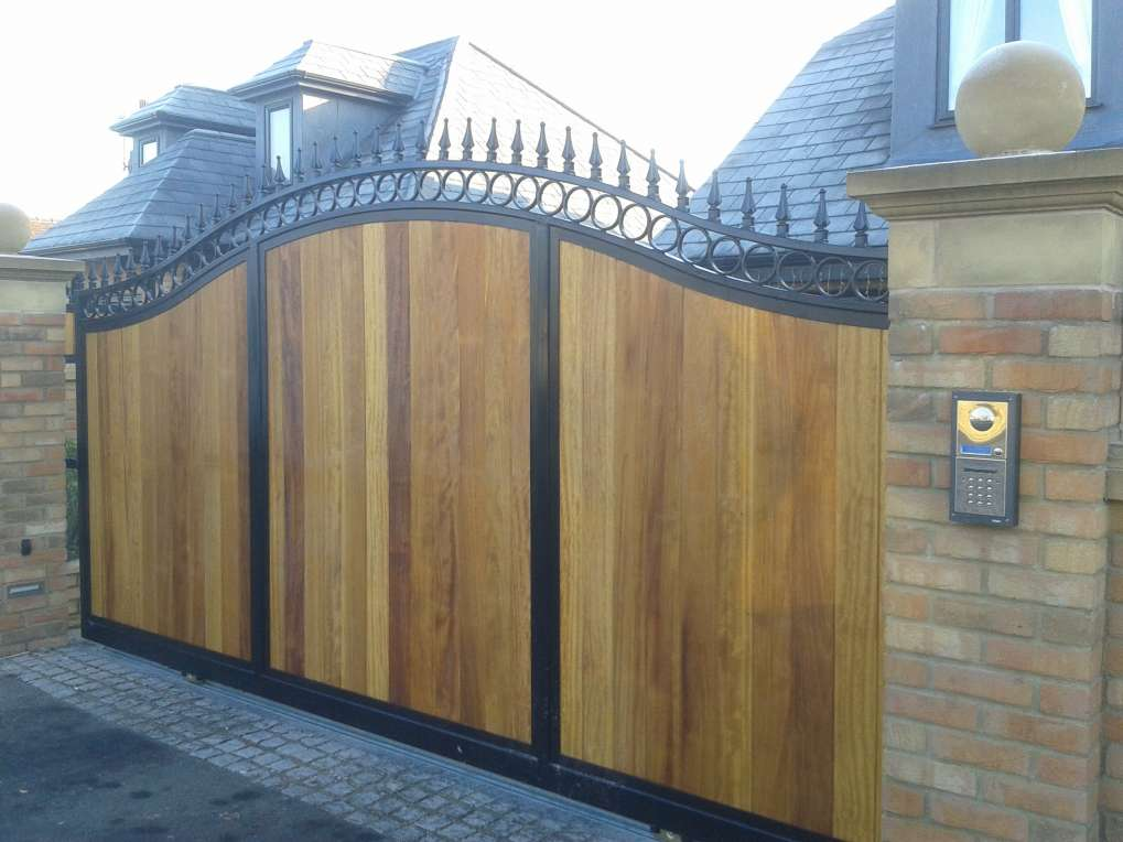 Timber Infill - Bow Top Sliding Gate