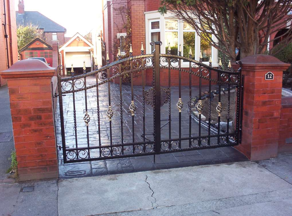 PG006-5D Double Gate Ornamental